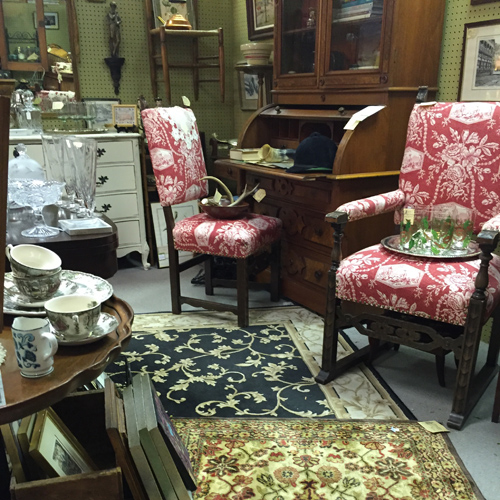 Antiques, collectibles, or vintage items on display by Dealer 35 at Warson Woods Antiques Gallery.