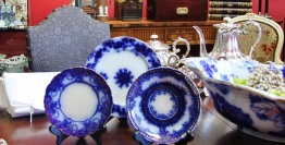 Antiques, Collectibles, Or Vintage Items On Display By Dealer 28 At Warson Woods Antiques Gallery In St. Louis.